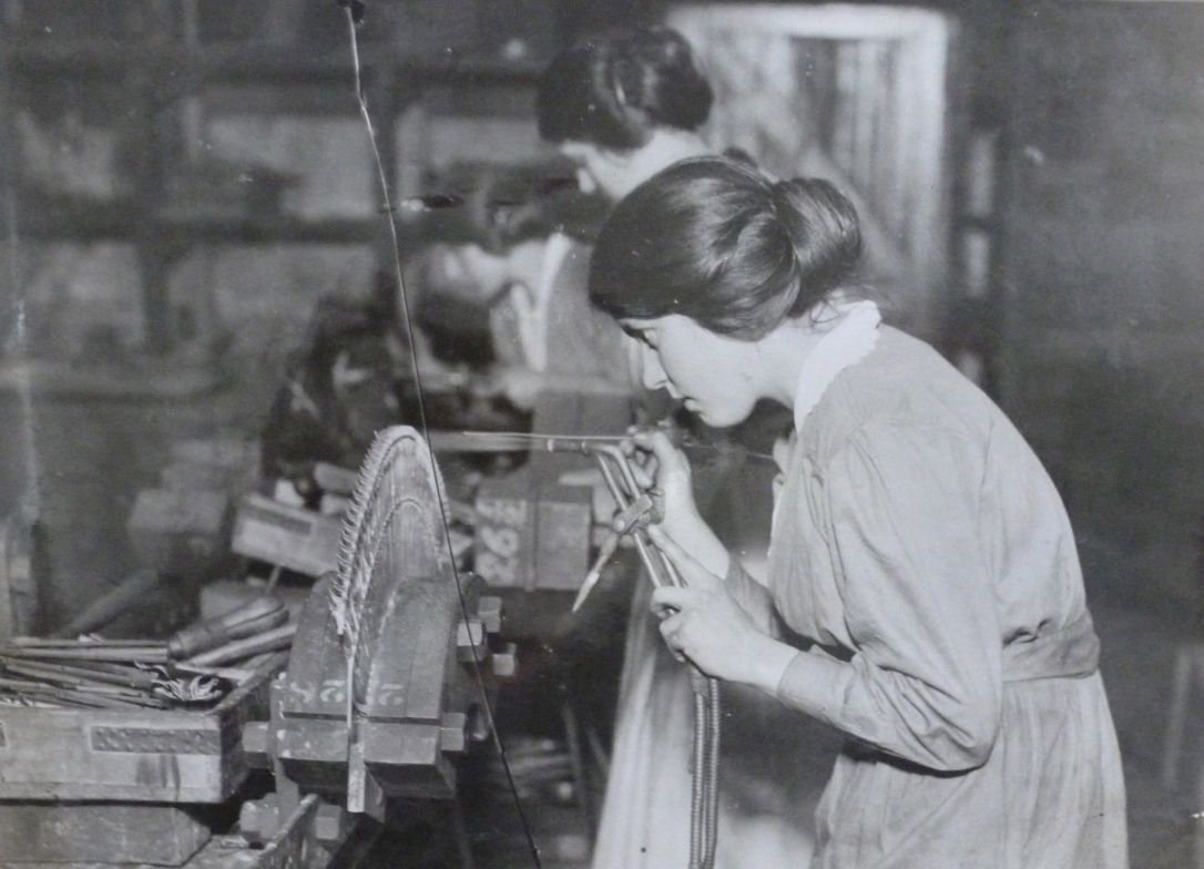 Women working in a turbine factory