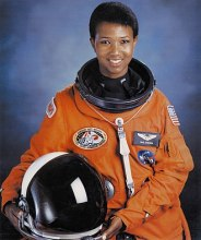 330px-Dr._Mae_C._Jemison,_First_African-American_Woman_in_Space_-_GPN-2004-00020